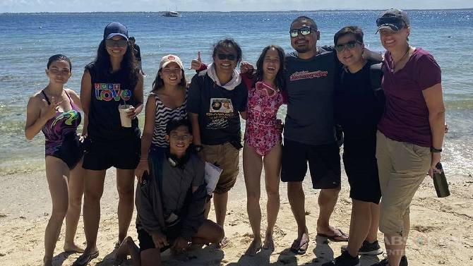 Dan Villegas directs next episode of Almost Paradise  4