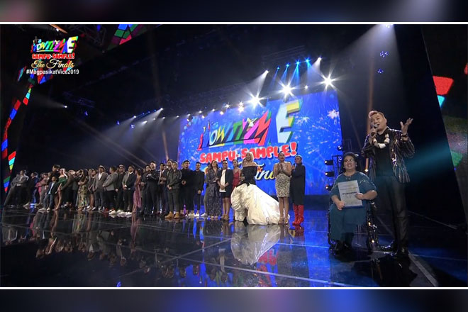 """It's Showtime"" honored by NCCA for championing Filipino arts and culture"