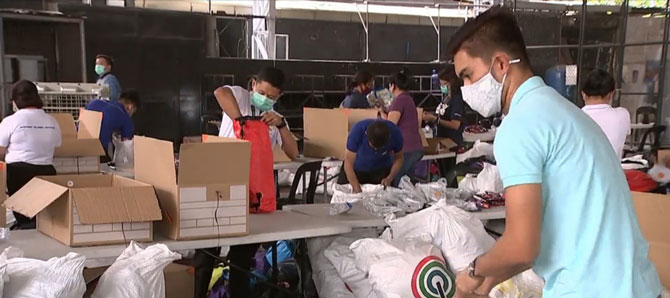 ABS CBN donates protective gears food to health workers 1