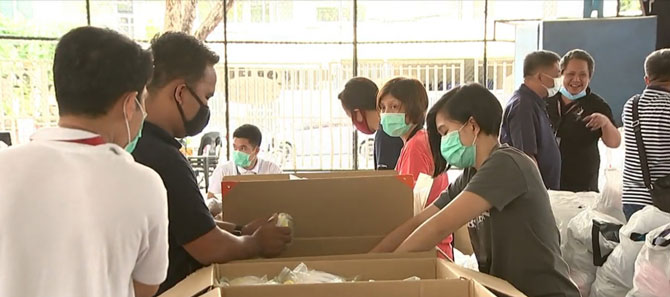 ABS CBN donates protective gears food to health workers 5
