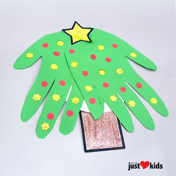 DIY Christmas Craft Hand Print Christmas Card 9