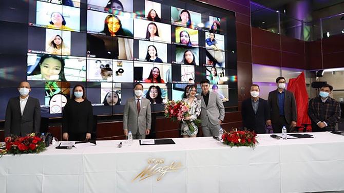 Kira Balinger gets kilig surprise from Ang Sa Iyo Ay Akin partner Grae Fernandez in Star Magic signing event 5