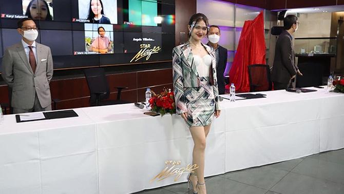 Kira Balinger gets kilig surprise from Ang Sa Iyo Ay Akin partner Grae Fernandez in Star Magic signing event 2