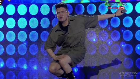 Vhong, game na ginawa ang 'Drop Low' challenge | It's Showtime Image Thumbnail